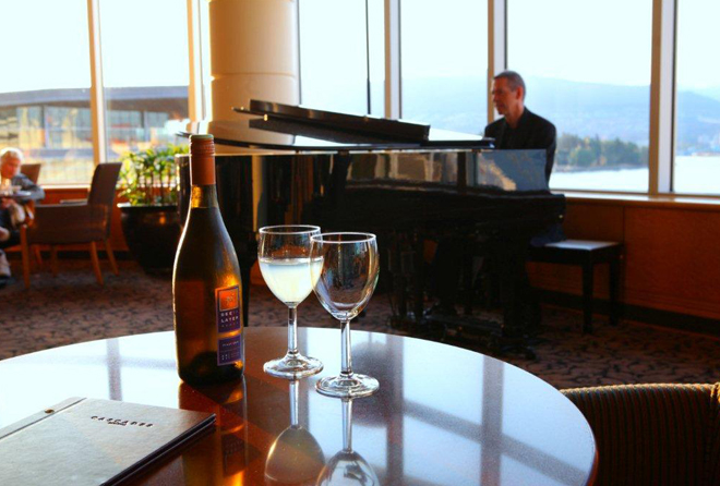 Cascades Lounge