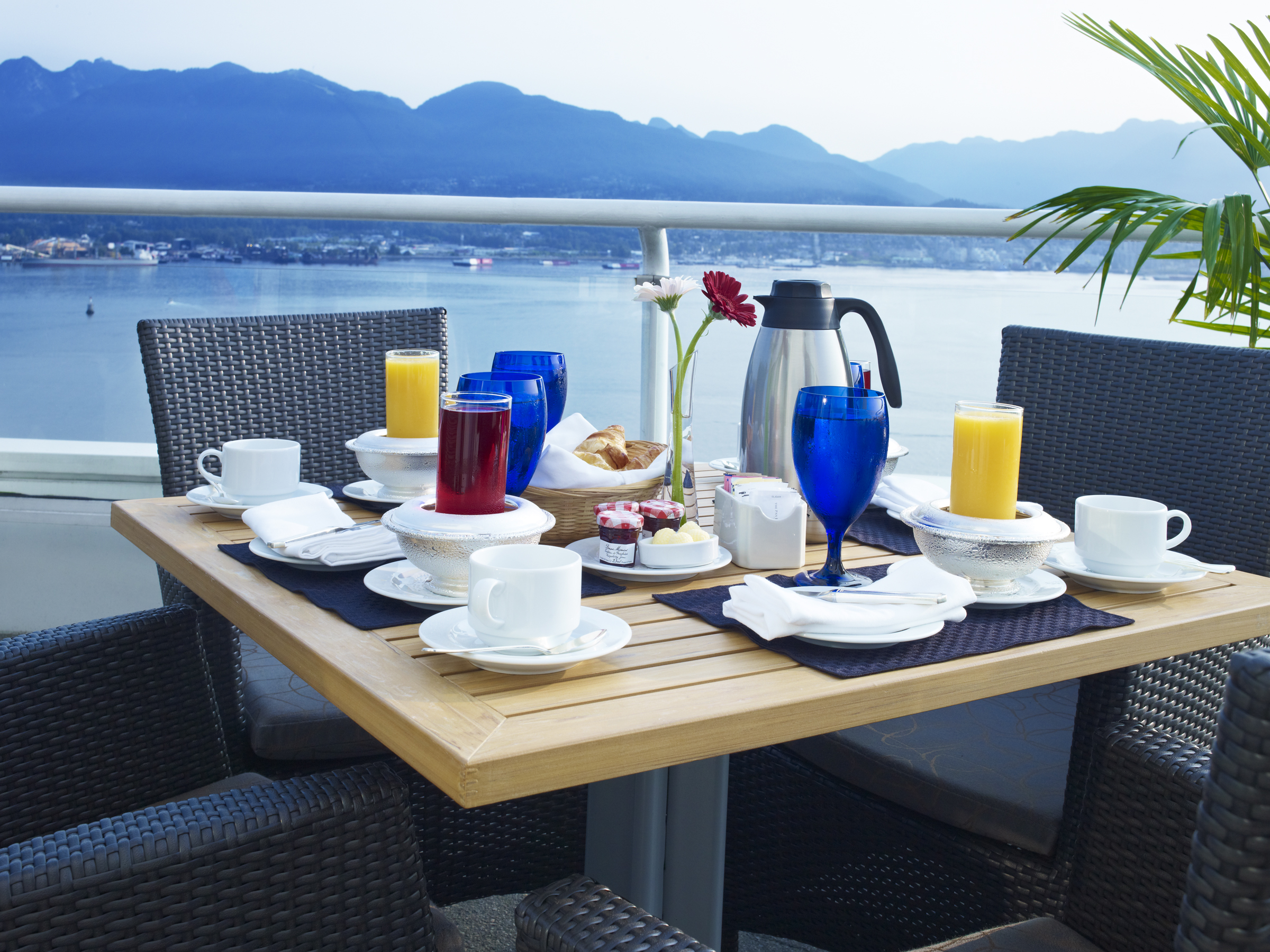 Topaz Suite Balcony Breakfast