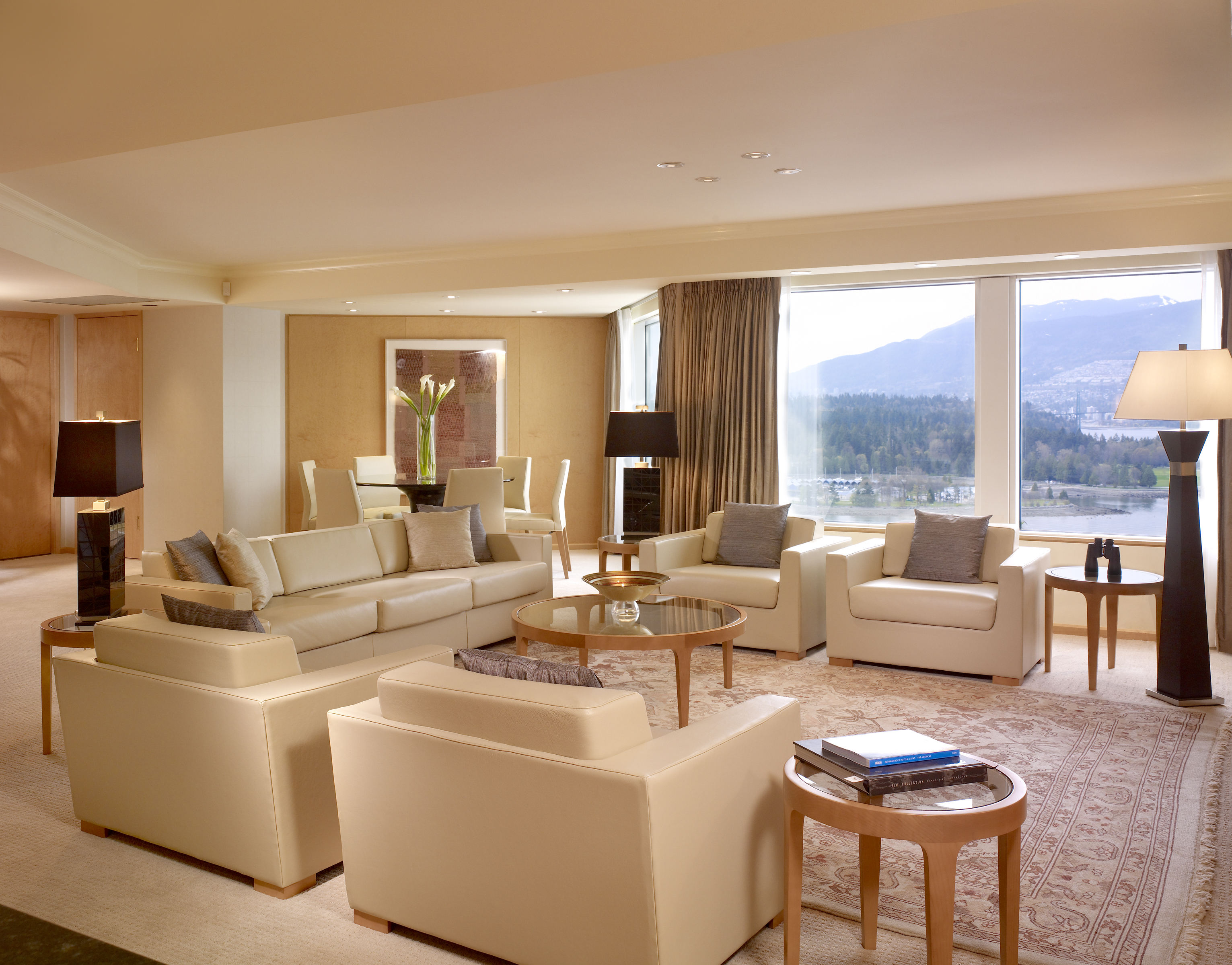 Opal suite living room pan pacific vancouver pan pacific for Sitting room suites